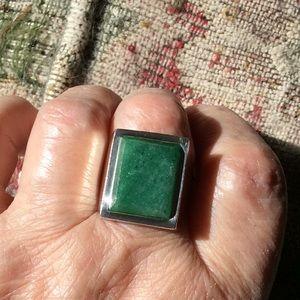 950 Silver & Jade Estate Ring
